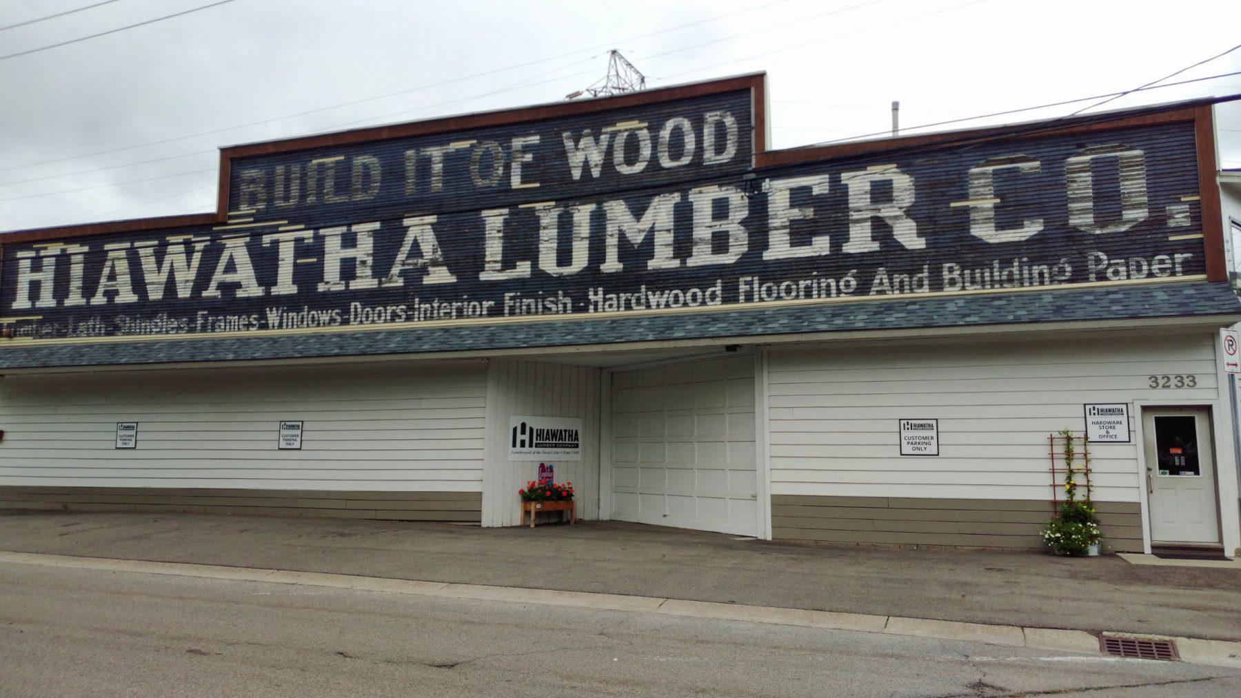 Hiawatha Lumber Co. building